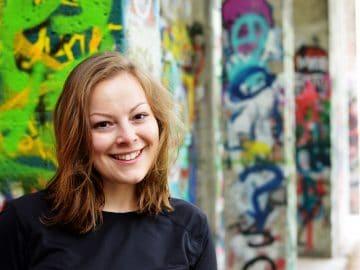 Fotografisches Porträt von Lucia Obst, Projektmanagerin UNLOCK Accelerator